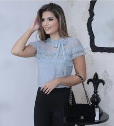 BLUSA TULE JACQUARD BABADO Sheer Lace Top, Lace Tops, Fashion Moda, Womens Fashion, Baby Frocks Designs, Pink Prom Dresses, Frock Design, Beautiful Blouses, Mom Style