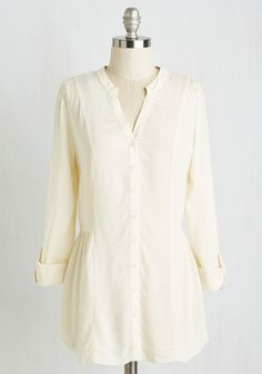 Trusty Travel Top in Ivory. When the opportunity for a spontaneous sojourn arises, you instinctively pack this tab-sleeved top for a guaranteed gorgeous look! #cream #modcloth
