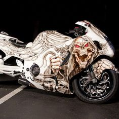 The Suzuki Hayabusa (or is a sport bike motorcycle made by Suzuki since Custom Street Bikes, Custom Sport Bikes, Moto Bike, Motorcycle Bike, Hyabusa Motorcycle, Bike Bmw, Custom Hayabusa, Custom Baggers, Suzuki Gsx