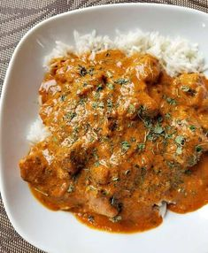 This Creamy Coconut Chicken Curry is sooo delicious and can be made on your stove top in less than 30 minutes or in your pressure cooker. Made with boneless chicken breast and simmered in a rich tomato, yogurt, coconut sauce that your sure to love. Chicken And Chickpea Curry, Chicken Breast Curry, Indian Chicken Curry, Indian Curry, Boneless Chicken Breast, Chicken Breasts, Indian Food Recipes, Asian Recipes, Creamy Coconut Chicken