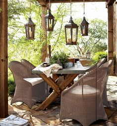 what fun dinner parties would be in a setting like this...