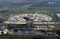 """Royssi- Aeroporto de Paris Charles de Gaulle"". # Paris, França."