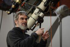 """UFOLOGIA - OVNIS ONTEM: Astrônomo do Vaticano: """"É só uma questão de tempo ..."""