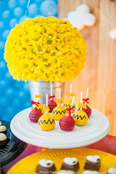 Blog maternidade Meu Dia D Mãe - Festa Menino Pedro 01 Ano - Decoração Snoopy Amarela e vermelha (13)