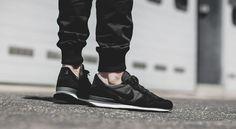 "Internationalist ""Black"" Nike Internationalist Black, New Balance, All Black Sneakers, Fashion, Moda, All Black Running Shoes, Fashion Styles, Fashion Illustrations"