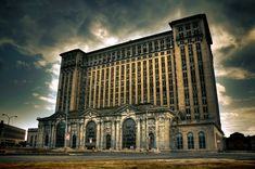 Michigan Central Station Detroit Michigan  Brian Rossen [779 x 517]