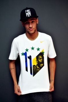Neymar Jr. with his own t-shirt and cap. I like it !