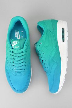 Nike Air Max 1 - bright blue