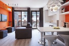 ADN 41 Apartment in Barcelona ideal for a relaxing holiday away from the noise of the city center with all the necessary amenities.  #HomeandDream Habitat Apartmetns