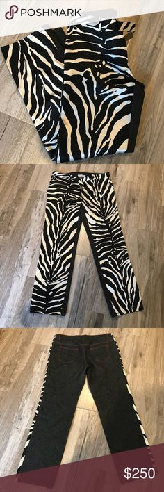 Dolce And Gabbana Zebra print Silk cotton  pant In great pre loved condition. No rips stains or tears. D&G Sz 44 Dolce & Gabbana Pants Trousers