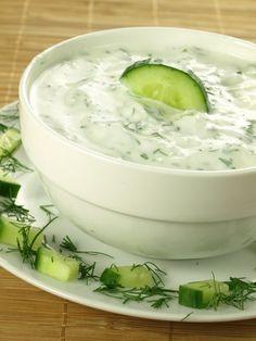 yaourt à la grecque, concombre, ail, huile d'olive, herbes de Provence