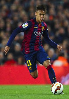 Neymar Photos - Neymar of FC Barcelona runs with the ball during the La Liga match Between FC Barcelona and Real Madrid CF at Camp Nou on March 2015 in Barcelona, Spain. - FC Barcelona v Real Madrid CF - La Liga Camp Nou Barcelona, Fc Barcelona Neymar, Barcelona Team, Barcelona Catalonia, Messi 10, Lionel Messi, Neymar Jr, Barcelona Website, Sport Football