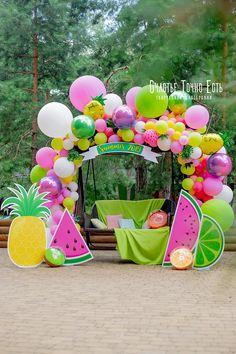 Watermelon Birthday Parties, Fruit Birthday, 2nd Birthday Party Themes, Happy Birthday Signs, Flamingo Birthday, Birthday Balloon Decorations, Pool Party Decorations, Style Tropical, Decoration Entree