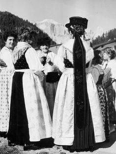 Bersntol, traditional costumes, Trentino.