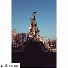 #Repost cappiee  #inTO Monumento del Frejus | Piazza Statuto #torino #torinomagica #monumentodelfrejus #lucifer