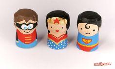 DIY SUPER HEROS EN BOUCHONS DE CHAMPAGNE. Cet article vous propose plusieurs personnages décoratifs à fabriquer soi-même avec des bouchons de liège et quelques accessoires récup.