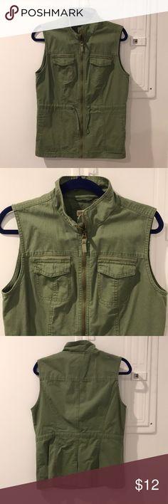 Marina Utility Vest Like new worn once Merona Jackets & Coats Vests