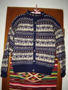 Womens Vintage Handmade in Norway Norwegian Heart Wool Cardigan Sweater S M