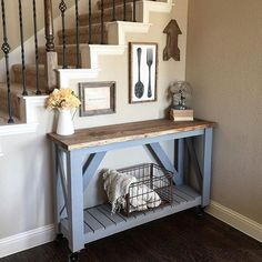 20 Beautifully Rustic Entry Table Ideas Blending Storage with Decor At Their Best! Pallet Furniture, Furniture Projects, Home Projects, Furniture Decor, Diy Home Decor, Room Decor, Sweet Home, New Homes, Entry Table Diy