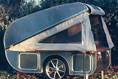 Lift-up camping trailer