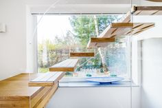 Floating stairs are stunning. SILLER offers a choice of self-supporting floating stairs in many materials like wood, glass, concrete, corian and acrylic. Suspended stairs which seem to be floating provide a certain sense of magic. Cantilever Stairs, Concrete Staircase, Glass Stairs, Floating Staircase, Modern Stairs, Home Additions, Cool Rooms, Modern Architecture, Beams
