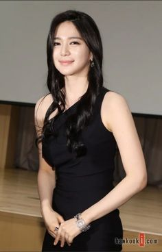 Korean Actresses, Korean Actors, Korean Beauty, Asian Beauty, Pretty Korean Girls, Tight Dresses, Hair Beauty, Hair Styles, Womens Fashion