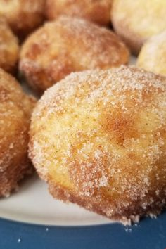 French Breakfast Puffs Simple and sweet muffins with a buttery cinnamon-sugar topping. What's For Breakfast, Breakfast Dishes, Breakfast Recipes, Dessert Recipes, Breakfast Pastries, Breakfast Muffins, Breakfast Items, Breakfast Dessert, Breakfast Casserole