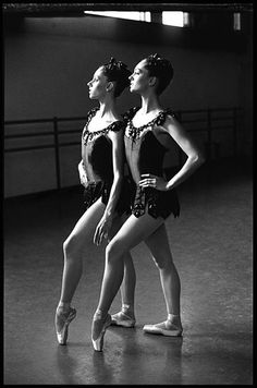 """Arthur Elgort - The Roy Sisters """"Jewelry"""", New York City Ballett Famous Contemporary Artists, Ballet Images, Ballet Pictures, Arthur Elgort, Dance All Day, City Ballet, Shall We Dance, Tiny Dancer, Fine Art Photography"""