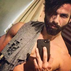 That killer look though !!! @shahidkapoor selfie time !! #celebrity #bollywood #bollywoodactor #shahidkapoor #instabollywood #ikarmik #shahidkapoorfan #shahidkapoorfans #shahidkapoorfc #shahidkapoorfanclub http://tipsrazzi.com/ipost/1508773081862018590/?code=BTwPR_HDpYe