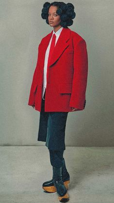 Rihanna, Robin, Winter Jackets, Design Inspiration, Fashion Design, Winter Coats, Winter Vest Outfits, European Robin, Robins
