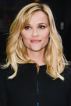 How to decide what bangs best fit your face: Reese Witherspoon, oval face.