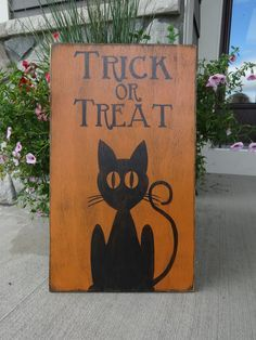 Trick or Treat sign. Hand painted wood sign/ Halloween sign/ Black cat sign…