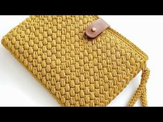 Crochet Star Patterns, Crochet Bag Tutorials, Crochet Stars, Knit Crochet, Louis Vuitton Damier, Free Pattern, Diy And Crafts, Wallet, Knitting