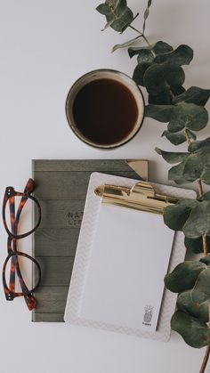 Photo Pour Instagram, Instagram Frame, Instagram Story Ideas, Flat Lay Photography, Coffee Photography, Photography Branding, Writing Photos, Book Aesthetic, Aesthetic Coffee