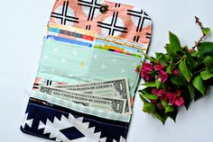 Arizona Wallet FREE Tutorial | Sew Mama Sew | Outstanding sewing, quilting, and needlework tutorials since 2005