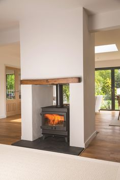 Newest Photo Fireplace Hearth size Thoughts The Croft Range of Clearburn stoves is designed on simple clean-cut lines and with the added advant Wood Burner Fireplace, Fireplace Hearth, Fireplace Design, Fireplace Ideas, Fireplaces, Fireplace Candles, Simple Fireplace, Fireplace Kitchen, Fireplace Bookshelves