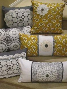 Grey Linen pillow with white square doily detail, housewares, home decor… Big Pillows, Linen Pillows, Cotton Pillow, Throw Pillows, Crochet Cushions, Sewing Pillows, Crochet Pillow, Pillow Drawing, Diy Cushion
