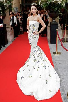 Zhang Ziyi in Giambattista Valli Haute Couture