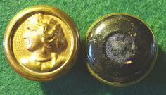 http://www.ebay.fr/itm/2-Boutons-Anciens-Profil-de-FEMME-30-mm-/331533265819?pt=LH_DefaultDomain_71