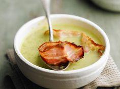 Découvrez la recette Soupe aux choux facile sur cuisineactuelle.fr. Cheeseburger Chowder, Mashed Potatoes, Pudding, Treats, Vegetables, Ethnic Recipes, Desserts, Lactose, Foie Gras