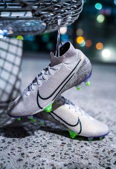 Cool Football Boots, Soccer Boots, Football Shoes, Football Cleats, Football Players, Best Soccer Cleats, Nike Cleats, Nike Soccer, Football Equipment