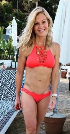 ainsley earhardt tragt einen bikini