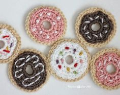 Repeat Crafter Me: Crochet Donuts free crochet pattern & photo tutorial