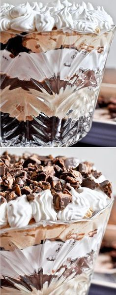 - How Sweet Eats Peanut Butter Fudge Brownie Trifle! That's definitely a special occasion dessert! Brownie Desserts, Köstliche Desserts, Chocolate Desserts, Delicious Desserts, Dessert Recipes, Chef Recipes, Plated Desserts, Mint Chocolate, Fudge Brownies
