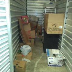 5x15. Boxes, totes, misc items. #StorageAuction in Memphis (314). Ends  May 11, 2016 11:00AM US/Eastern. Lien Sale.