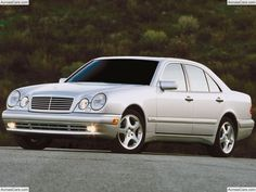 Mercedes-Benz E-Class E 350 Luxury Sport Sedan Mercedes Benz Autos, Used Mercedes Benz, Mercedes E Class, Benz E Class, Used Cars Under 5000, Car Ratings, Bmw Engines, Car Buying Guide, Cheap Used Cars
