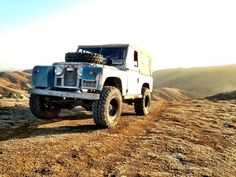 Landrover on Amazing Cars Photo 2804 Land Rover Series 3, Adventure Car, Best 4x4, Motorcycle Camping, Bushcraft Camping, 4x4 Off Road, Expedition Vehicle, Land Rover Defender, Car Photos