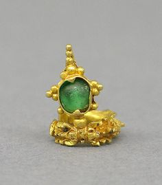 Ear Clip with Green Translucent Stone. Central Javanese period. Second half of the 8th–second half of the 10th century. Indonesia.