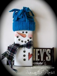 Candy Bar Snowman ... NEED A LOT OF GIFTS FOR SCHOOL & OFFICE .. download snowman add fabric scarf & hat