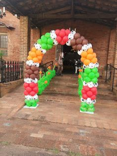 Momento Mágico Decorações : Festa Fazendinha do Bento Farm Animal Birthday, 1st Boy Birthday, Boy Birthday Parties, Balloon Decorations, Birthday Decorations, Farm Kids, Holidays And Events, Balloons, Bernardo
